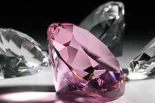 Діамант і фіаніт: основні відмінності між каміннями