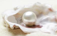 Як відрізнити справжні перли від підробки