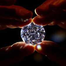 Как выбрать и приобрести бриллиант в подарок