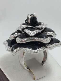 Кольцо с черными эмалями производства Италии